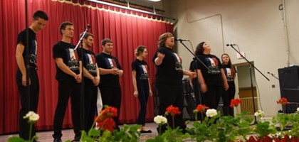 Musical students perform at Banquet
